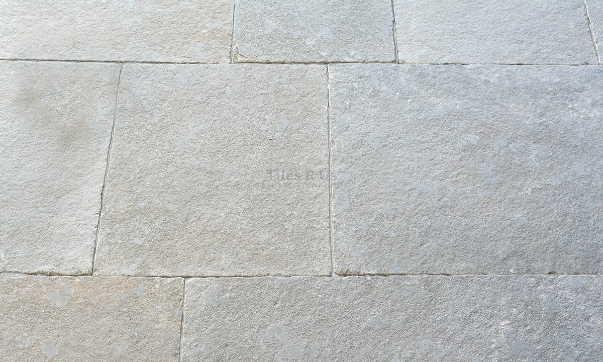 Limestone Tumbled & Distressed - Irvine Grey 600 x Free Length x 20mm
