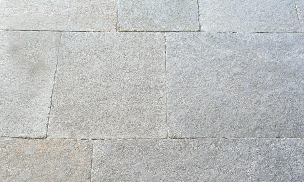 Limestone Tumbled & Distressed - Irvine Grey