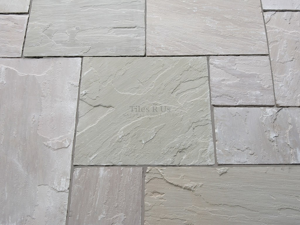 Sandstone Calibrated Riven & Distressed External - Green Blend Mix